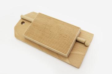 Rigagnocchi o riga garganelli con base in legno di faggio