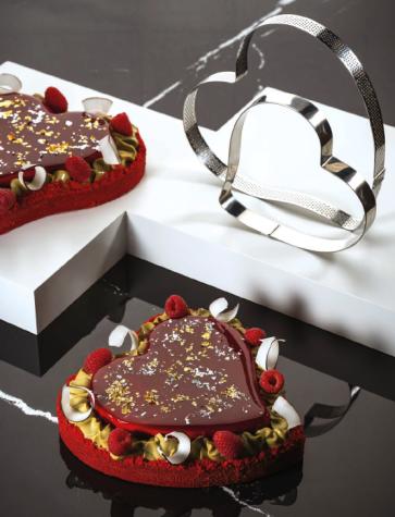 Cuore di Crostata: Fascia microforata e fascia inox a forma di cuore di Pavoni Professional