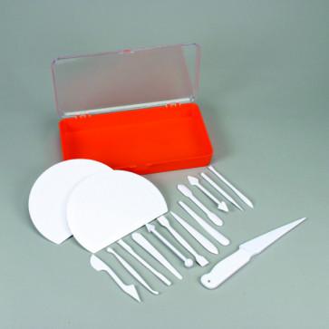 Set grande utensili per marzapane, pasta da zucchero e cioccolato plastico 15 pezzi di Schneider