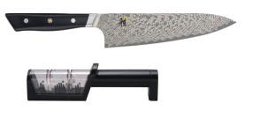 Set Coltello Chef Gyutoh lama cm. 20 Serie Hibana 800DP e Affilacoltelli manuale di Miyabi