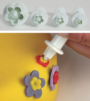 Set 4 Paste-cutters with extractor little flowers for Cake decoration