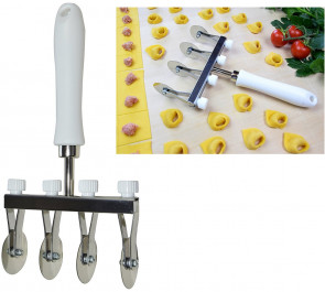 Pasta-Cutter with 4 smooth stainless steel blades adjustable