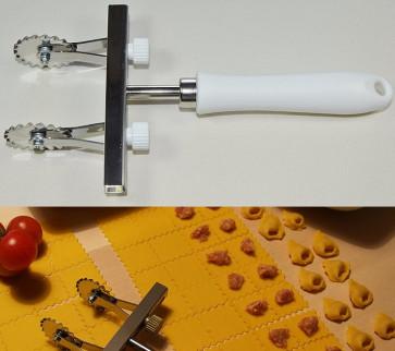 Tagliapasta 2 lame in acciaio inox dentate regolabili da mm. 24/100