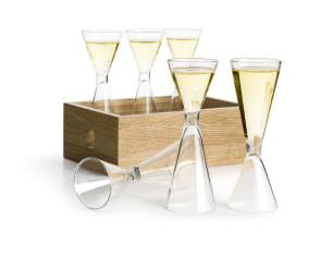 Ensemble de 6 petits verres à schnaps avec plateau en bois