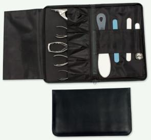 Busta porta attrezzi in materiale sintetico all'interno tasca con cerniera