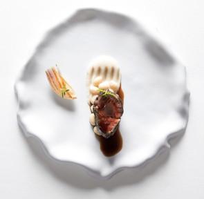 Assiette plate Sumisura Ligne Seta avec rabat par Royale