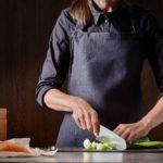 COLTELLO SANTOKU: caratteristiche tecniche e differenze con il coltello da chef
