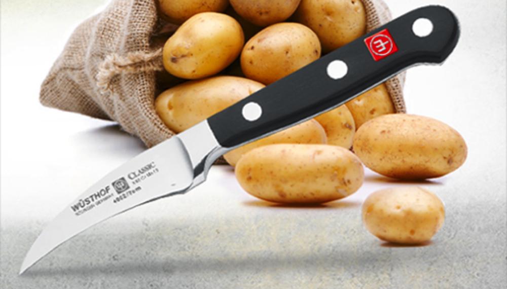 Il coltello spelucchino, l'indispensabile in cucina